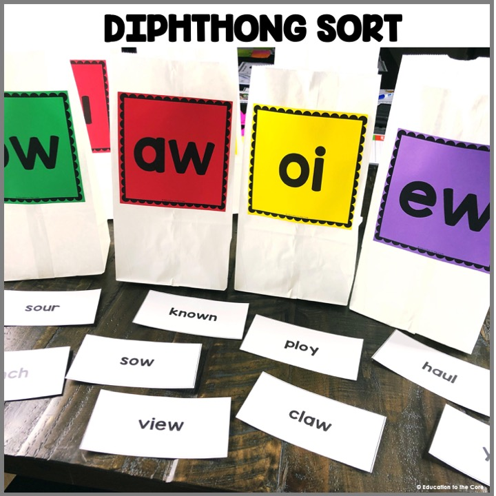 Diphthong Sort: This center encourages students to read words with diphthongs and then sort them. The bags give so much novelty that students thrive on!